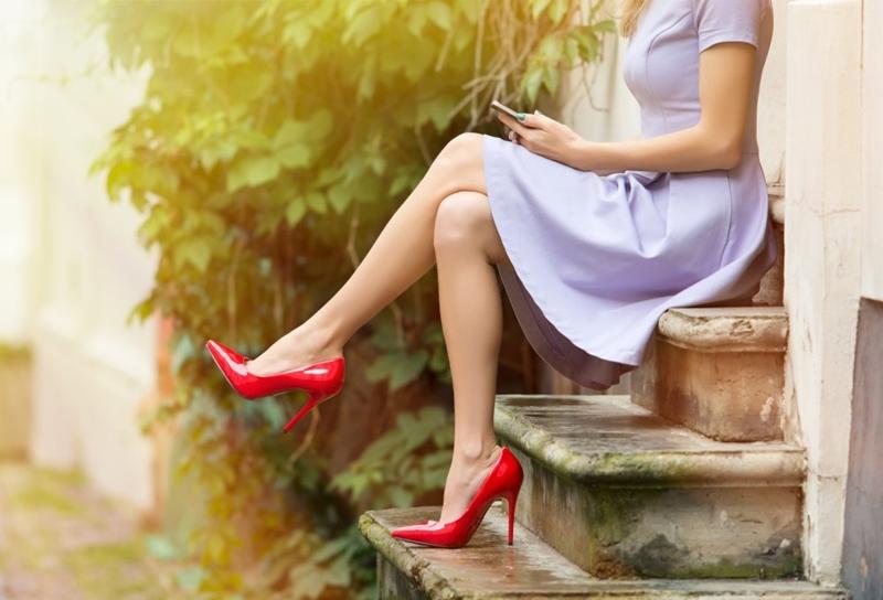 Türk kadını topuklu ayakkabı giyemez