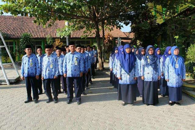 Wali Kelas Terbaik di Madrasah