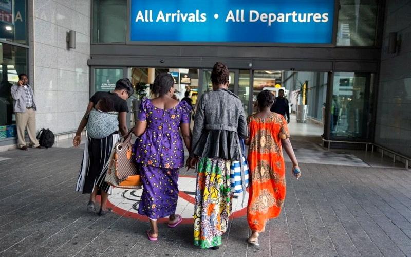 Ύπατη Αρμοστεία του ΟΗΕ: Σε ιστορικά χαμηλά επίπεδα η επανεγκατάσταση των προσφύγων το 2020