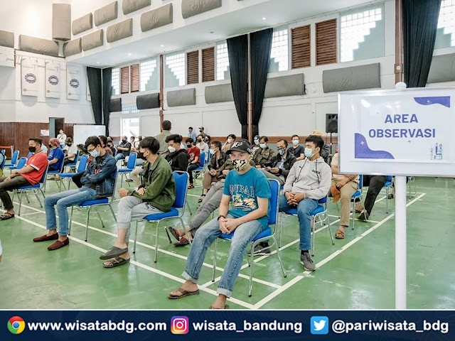 STP NHI Bandung dan Kemenparekraf Gelar Vaksinasi 3.000 Pelaku Pariwisata