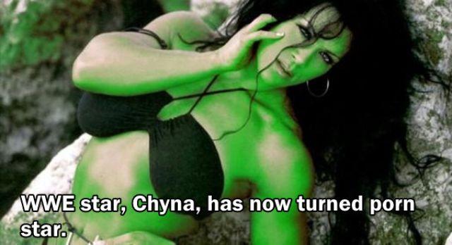 pegulat smackdown Chyna beralih profesi sebagai bintang film porno