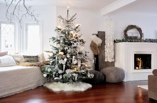 Salas minimalista decoradas para navidad, salas minimalistas
