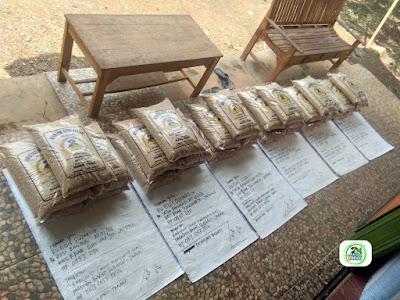 Benih padi yang dibeli EUIS SUTARSIH Sukoharjo, Jateng. (Sebelum packing karung ).
