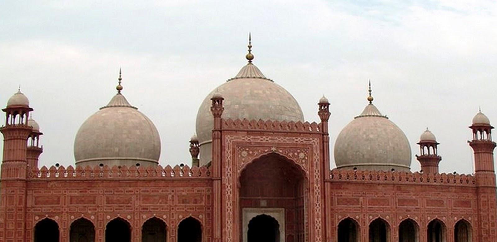 Masjid Badshahi, Masjid Megah dan Terbesar di Pakistan