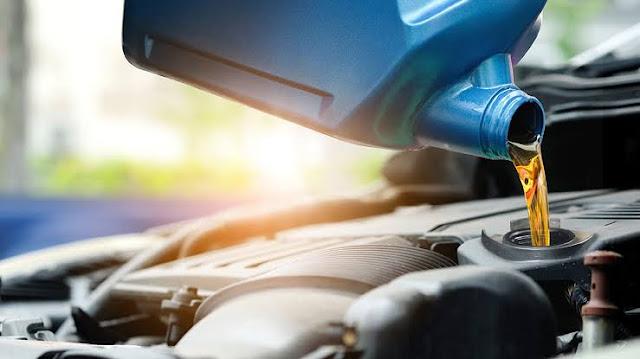6 Fungsi dan Kegunaan Oli Mesin pada Kendaraan Mobil