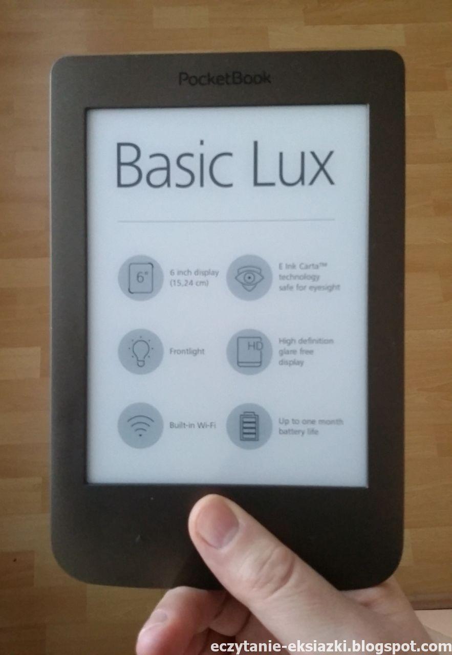 PocketBook Basic Lux - czytnik trzymany w dłoni