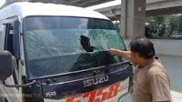 Video Viral Mudik di Larang, Supir Travel Pecahkan Kaca Mobil