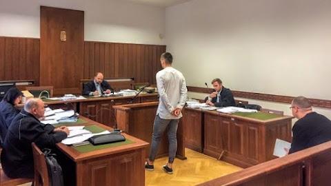 Börtönbüntetésre ítéltek egy szexuális kényszerítéssel vádolt iskolai igazgatóhelyettest