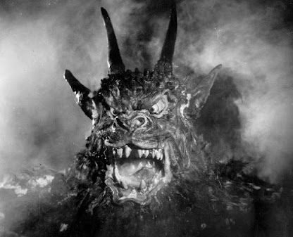 Close-up of the demon, Curse of the Demon (1957)