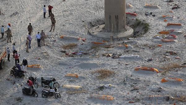 Ratusan Mayat Kembali Bermunculan di Sungai Gangga India