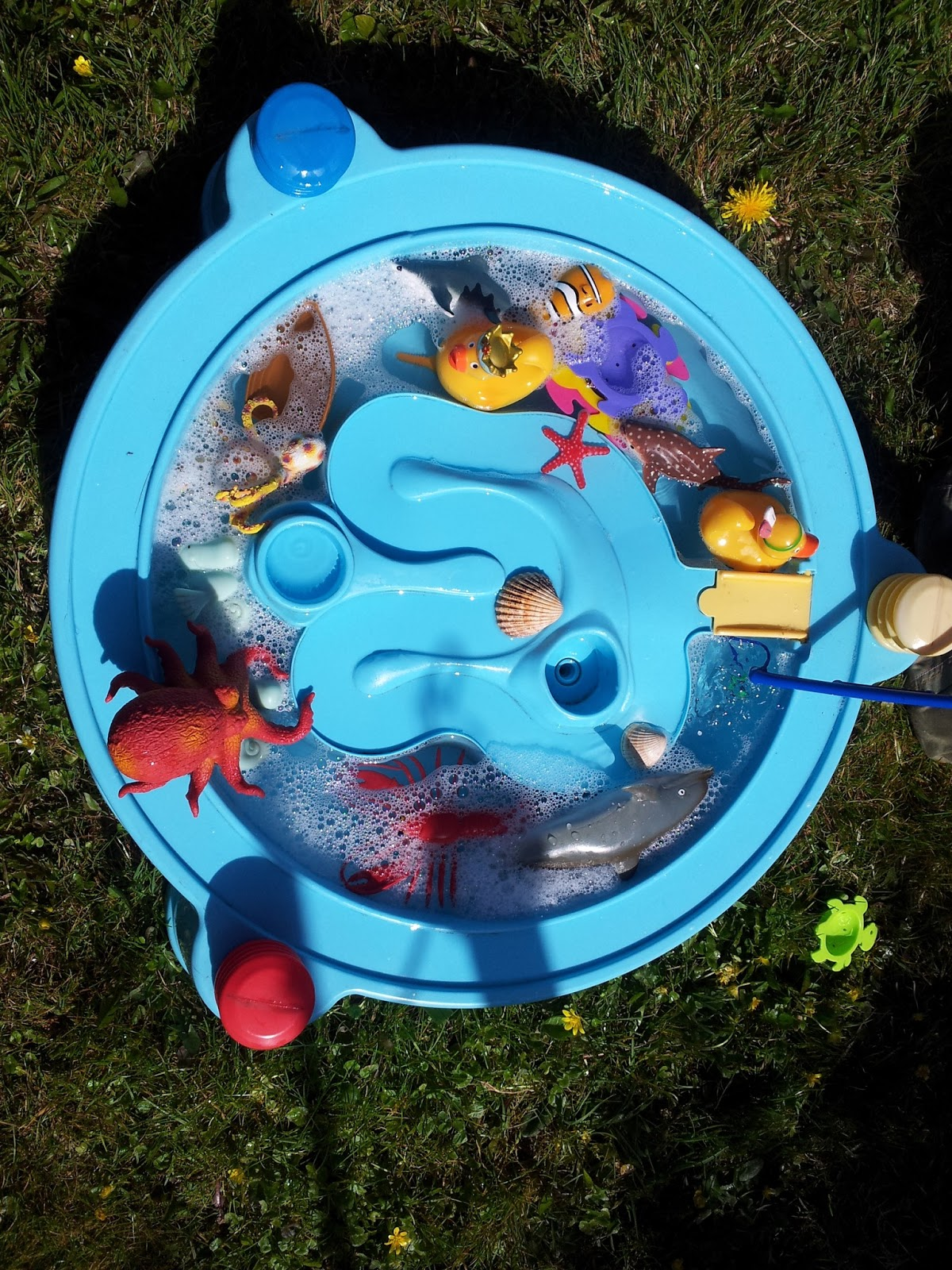 , Water Play #MessyPlayforMatildaMae