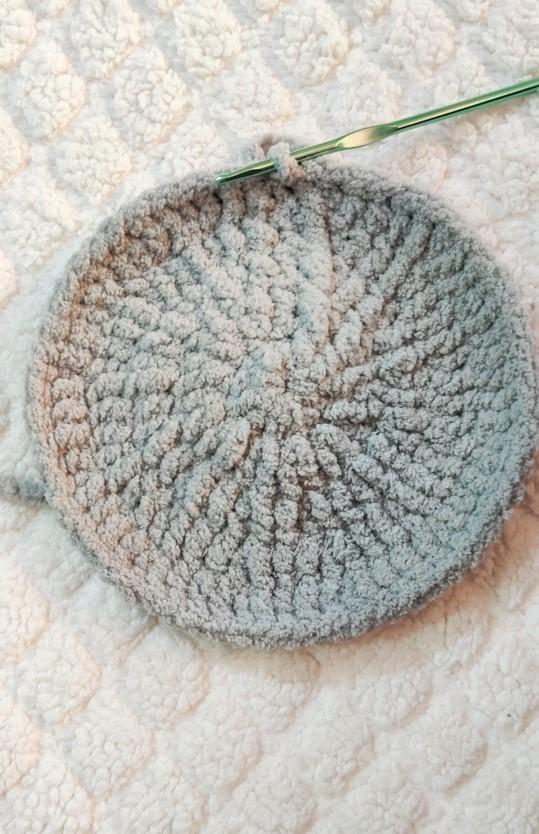 Cozi Teddy Bear Pillow - A FREE Crochet Pattern - CocoCrochetLee | 834x539