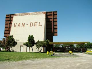 Van Del Drive In