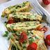 Omlet z zielonymi szparagami i rukolą