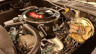 Valiant Black 1970 Pontiac LeMans GTO Engine