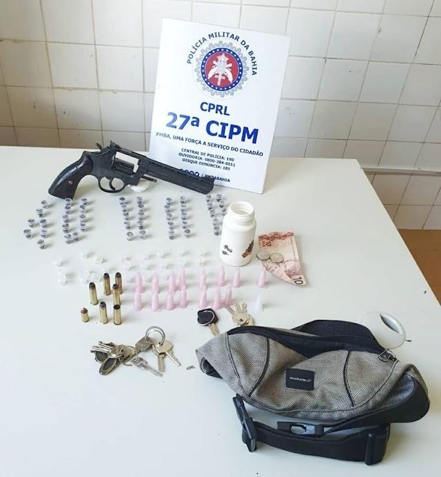 Indivíduo é preso em Cruz das Almas após atirar contra policiais, arma é drogas foram apreendidos