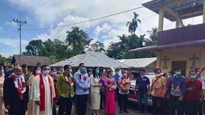 Wabup Dan Ketua DPRD Nisbar, Hadiri Puncak Paskah Gabungan BNKP Soromaasi