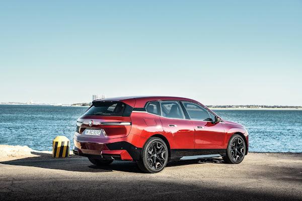 BMW lança SUV elétrico iX de 500 cv para desafiar a Tesla