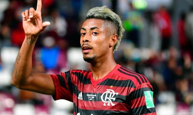 Bruno Henrique recebe versículos do avô antes de partidas e contagia jogadores do Flamengo