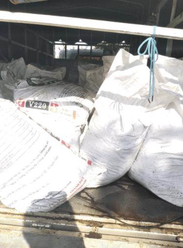 Xe chở 3 tấn trùn quế giống bổ sung