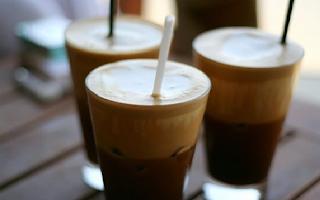 Ποια είναι η ελληνική πόλη με τις περισσότερες καφετέριες;