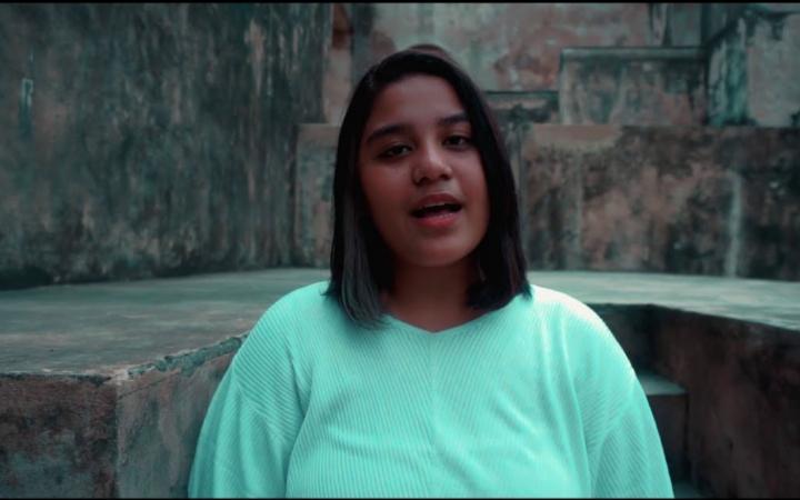 Verina Pattawala ft. Toton Caribo - Jodoh Pasti Kembali