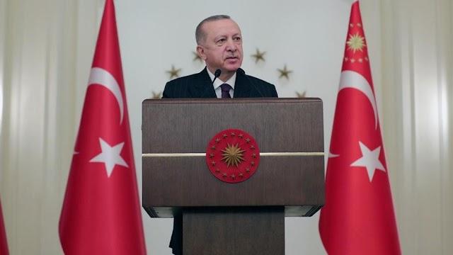 """Παραλήρημα Ερντογάν: Είπε για """"ελληνικές σφαγές"""" στη Σμύρνη - Αποκάλεσε το Αιγαίο """"θάλασσα των νησιών"""""""