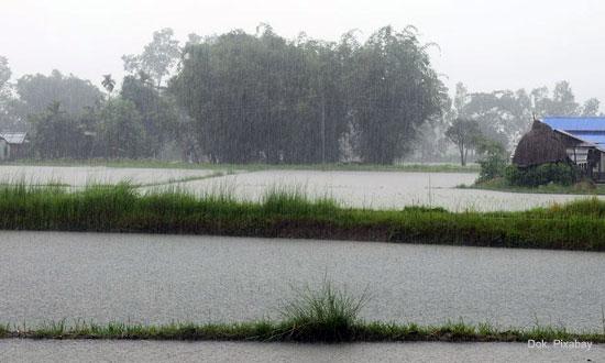 Akibat La Nina, Musim Hujan Diprediksi Lebih Lama, Jateng Waspada Banjir & Tanah Longsor