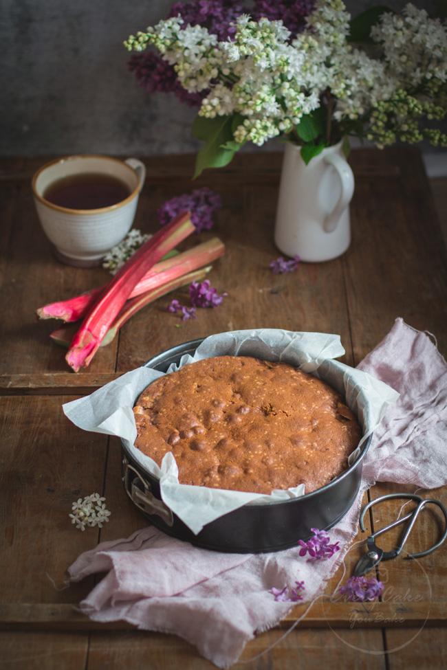 ucierane ciasto rabarbarowo-kukurydziane