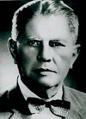 นายฮาโรลด์ เมสัน ยัง (Mr.Harold Mason Young) มิชชันนารีชาวอเมริกัน