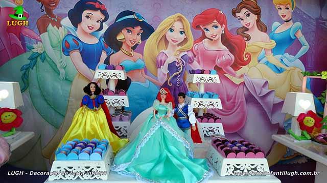 Decoração de festa infantil Princesas da Disney - Mesa temática de aniversário