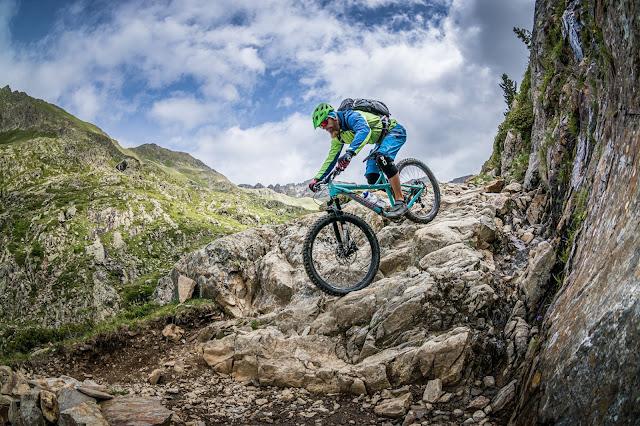 Mountainbike Tour Dolomiten: Rote Wand (2818m) bzw. als kurze Variante Hexenscharte 2578 m.ü.A.