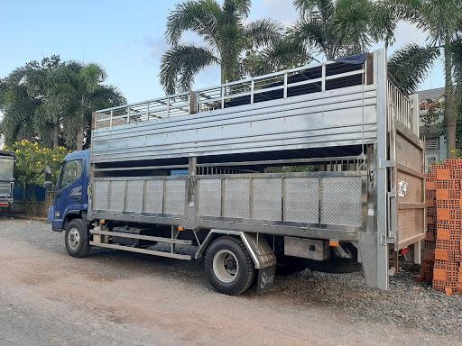 Hyundai EX8 thùng chở gia súc lợn heo