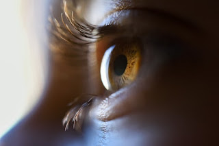 Causes and Ways to Whiten Yellow Eyes