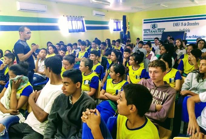 Desfigurado pela base de Bolsonaro na Câmara, Fundeb pode tirar R$ 15 bi da educação pública