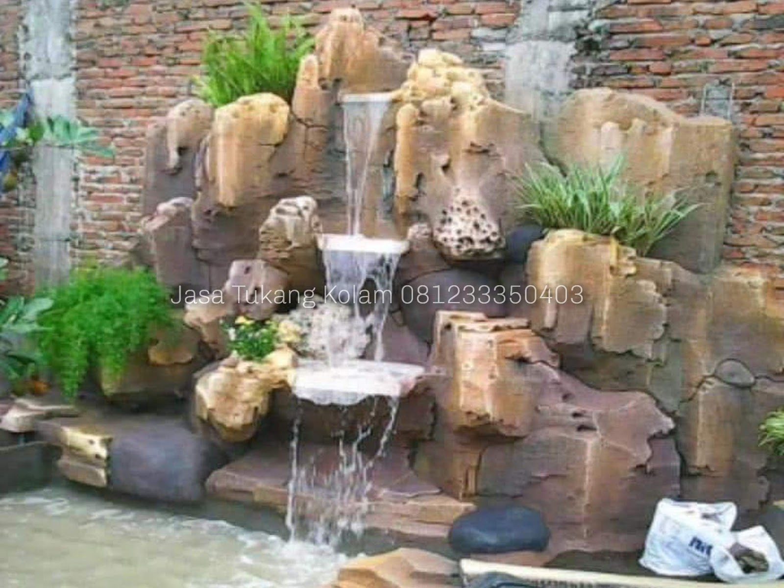 Jasa Pembuatan Kolam Dekorasi Tebing Air Terjun Dan Air Mancur Di Malang Jasa Pembuatan Taman Air terjun dinding minimalis