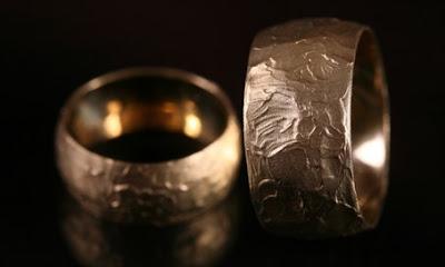 Donaron un modelo del anillo de oro de Oskar Schindler a un Centro del Holocausto en Australia