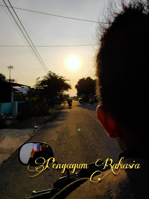 Puisi Keren - Pengagum Rahasia ~ maspaical.com