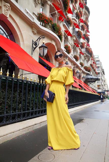 Silvia Braz com vestido amarelo