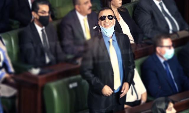 بعد تخلي هشام المشيشي عنه: وزير الثقافة ضمن الفريق الحكومي في البرلمان