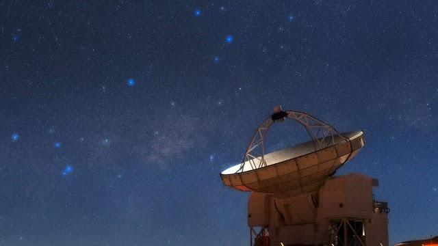 Σύννεφα ψυχρού μοριακού αερίου φαίνονται πρώτη φορά να εκτοξεύονται από τον πυρήνα του γαλαξία μας