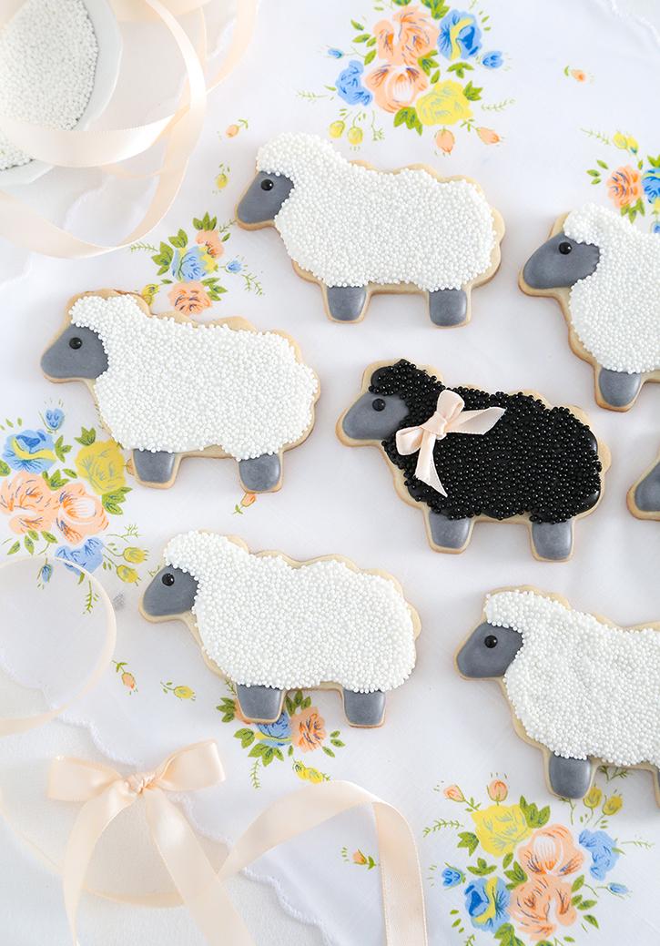 Fluffy Sheep Sugar Cookies