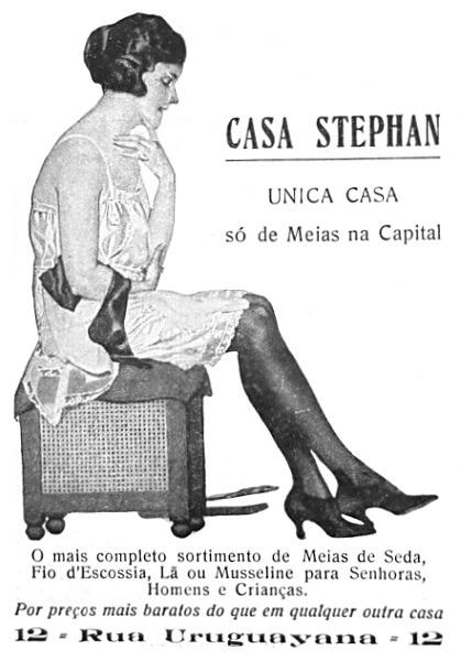 Propaganda antiga de lojas de departamentos Casa Stephan com ofertas de meias