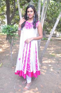 Actress Chandini Tamilarasan Stills in White Salwar Kameez at Naan Avalai Sandhitha Pothu Opening  0005.jpg