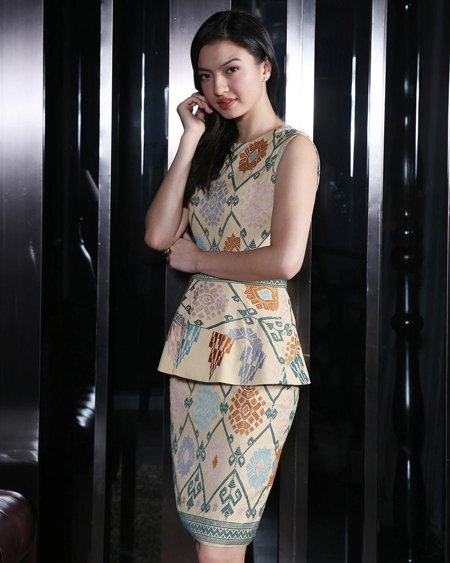 Raline Shah rok spans Batik seksi