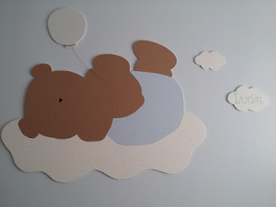 silueta infantil osito con globo decoración habitación