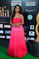 sradha stills 2903171219 018 at IIFA Utsavam Awards.jpg