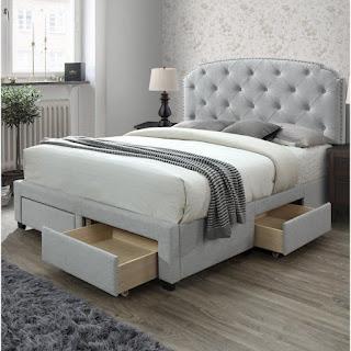 Tempat Tidur dengan Rak Multifungsi yang Nyaman