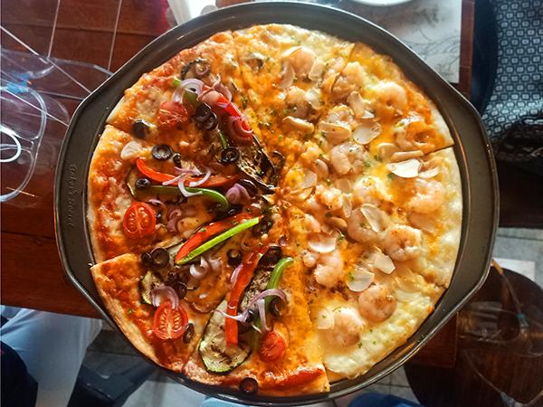 fino garden and garlic cheese shrimp pizza