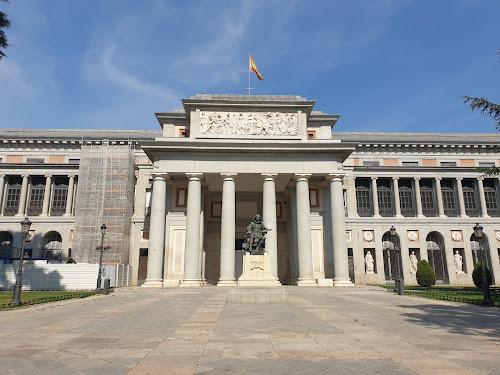 El Museo del Prado una tarde de primeros de agosto